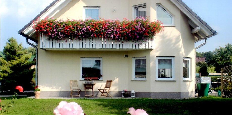 gewinner des 25 erfurter blumenschmuck und vorgartenwettbewerbs stehen fest. Black Bedroom Furniture Sets. Home Design Ideas